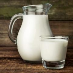 Молоко деревенское цельное 1,5 литра    Цена за 1 Баллон