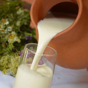 Деревенское молоко от одной коровки [31-20) подворье Дмитрия  1,5 литра